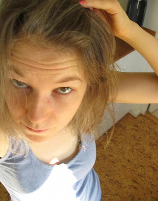 grått hår ung